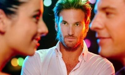 мужчины ревнуют женщин