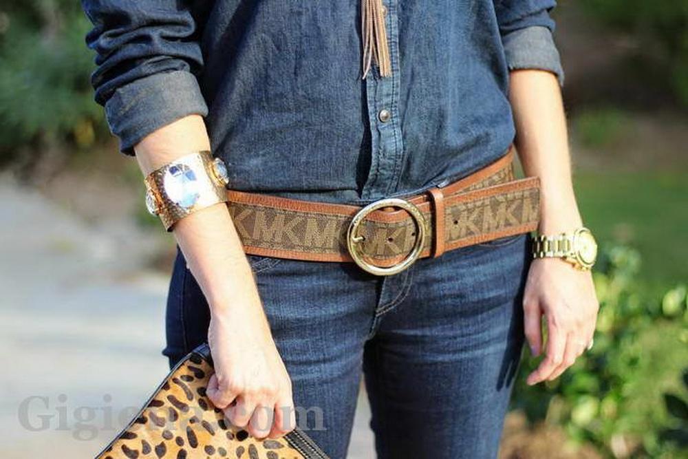 джинсы и большая пряжка