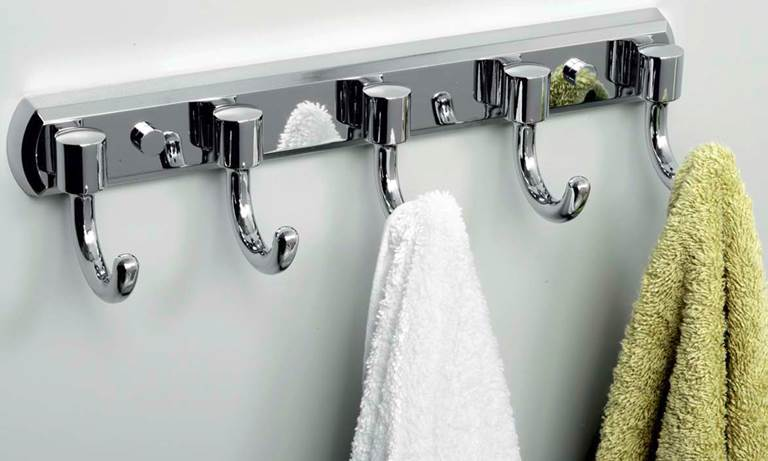 крючки в ванную