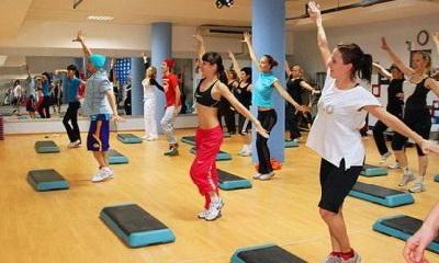 в фитнес клубах